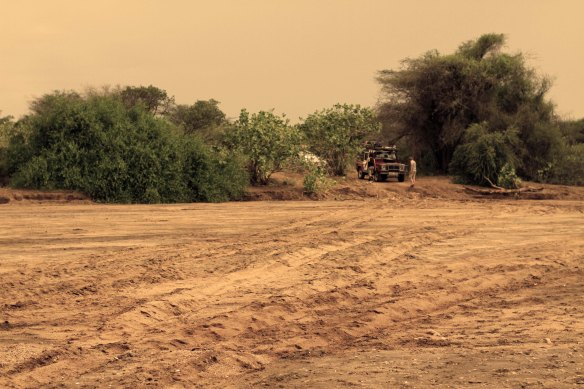 Scouting the dry riverbed (Photo: RWH)